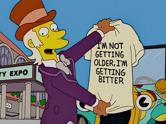 GooseGladwell The Simpsons Holding T-shirt I'm Not Getting Older I'm Getting Bitter